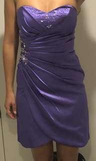 Strapless short sequinned ball dress
