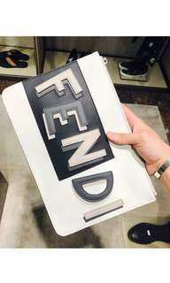 🆕👨👱‍♀️Authentic FENDI Clutch, Unisex