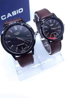 COUPLE WATER RESISTANT WATCH
