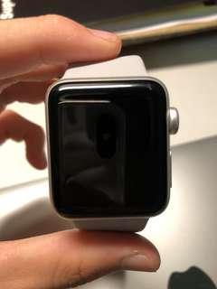 極新附超多東西Apple Watch series 3 GPS 38mm 銀色鋁金屬(保固到明年五月底)完整盒裝配件+無線充電版+urbeats完整盒裝+用過兩個禮拜而已的iPhone x 原廠矽膠護套 午夜藍