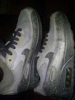 Sepatu Nike Air Max White silver