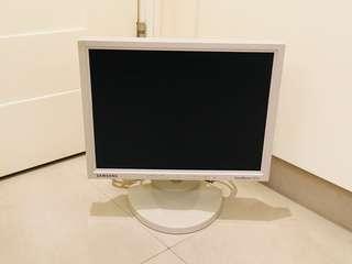 """三星 15吋 LCD 4:3顯示器 可升降 可調校螢幕斜度 可90度旋轉 Samsung 4:3 LCD 15"""" monitor"""