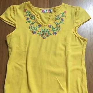 Flowery motif kid blouse