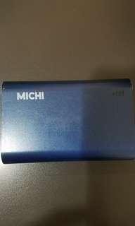 Michi portable charger 9000mAh