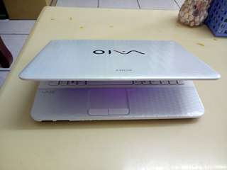 Sony Vaio i5/win7/4Gb/500Gb hdd/14.5inch/Gaming