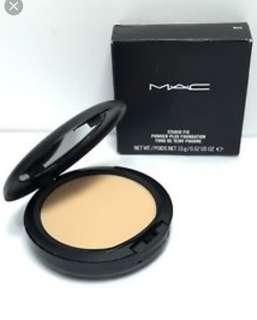 MAC NC40 STUDIO FIX POWDER PLUS FOUNDATION