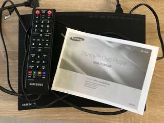 Mint condition Samsung BD-J5500 3D Blu-ray and DVD Player with Built-In Apps