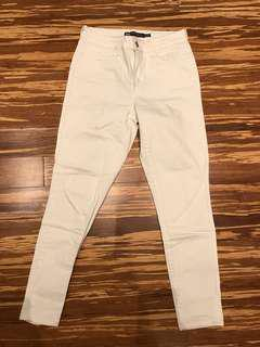 White Levi's High Rise Skinny Jeans - Size 6