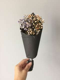 Dried baby breath flower bouquet