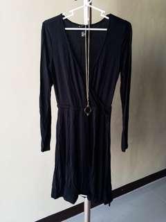 [DRESS] H&M black longsleeve dress cinched garter US Small