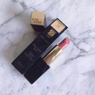 Estèe Lauder Lipstick satin finish in Potent