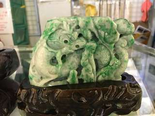 Natural jadeite ornament