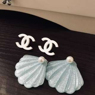 Are you interested 🤭vintage earrings