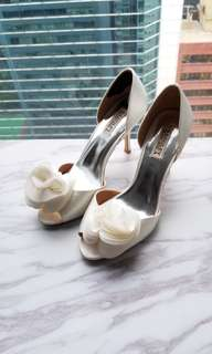 99% new Badgley Mischka D'orsay Thora wedding heels US 8.5
