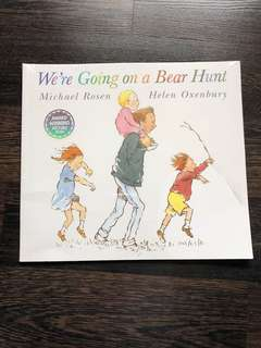 New We're going on a bear hunt paperback