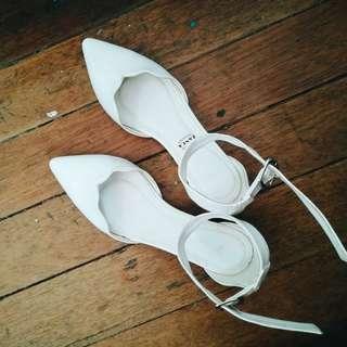Zanea T-Strap White