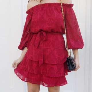 BNWT - Rodeo Show off shoulder lace dress - size 6