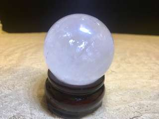 4cm/40mm White crystal ball with rainbow light come with base(4cm/40mm 白水晶球带七彩光和带底座)