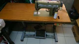 Singer Sewing machine heavy duty