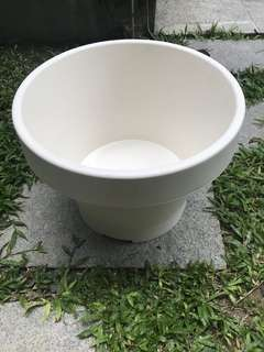 IKEA White Plastic Pot