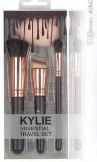 Kylie brush set + beauty blender