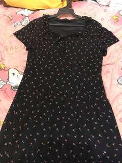 🚚 👗復古 彈性刺繡小花黑色洋裝 有內襯 不透明 麻紗棉質 古著