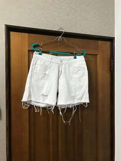 二手白色休閒牛仔短褲28
