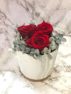 Preserved Rose w/ Grey Hydrangeas Bouquet • Marble Vase