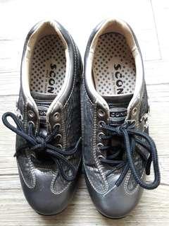 🚚 蘇格南真皮休閒鞋
