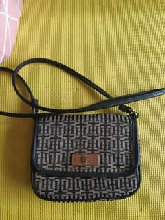 Authentic tommy hilfiger sling bag