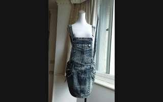 🚚 韓版 刷色 鉚釘 吊帶牛仔裙