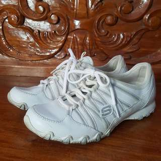 Skechers White Rubber Shoes/Sneakers