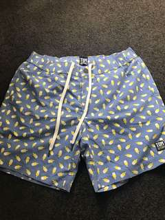 Men's tom and teddy board shorts small