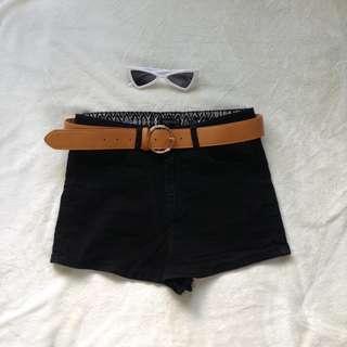 Forever 21 Black shorts - size 27