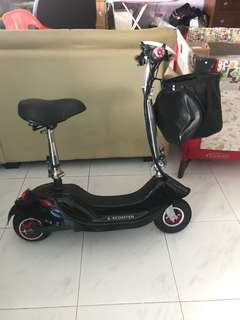 Razor Electric Scooter (e-scooter)