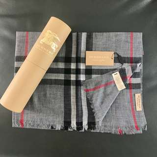 BURBERRY Super light Scarf ( 適合冷氣用 )