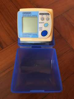 Omron 手腕血壓計 連盒 blood pressure monitor sphygmometer