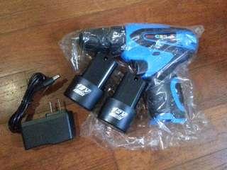 Brand new 12v 2 batteries lithium drill screwdriver