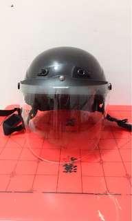 🚚 MOTO GP 普通型半罩式騎乘機車用防護安全帽