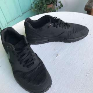 Sepatu Nike Air Max 1 Ultra Essential Triple Black