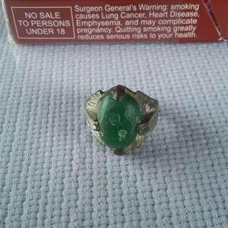 Batu zamrud cincin lama