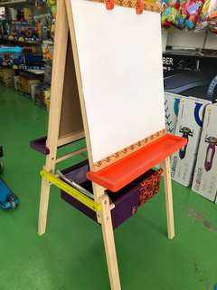 B Coloreful Easel