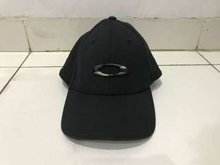 Topi Oakley Tincan A-Flex Original Black