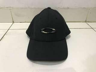 Topi Oakley Tincan A-Flex Original Black