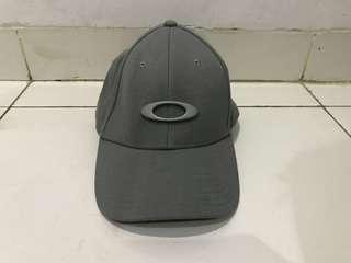 Topi Oakley Tincan A-Flex Original