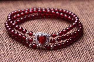 天然石榴石多圈手鏈 配紅剛玉心心吊飾