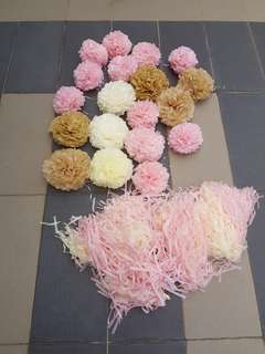 Pom poms for party