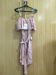 Pink off-shoulder dress (Forever 21)
