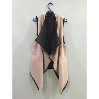 Black / Beige Reversible Sleeveless Jacket
