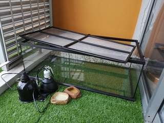 Reptiles tank and light casing set